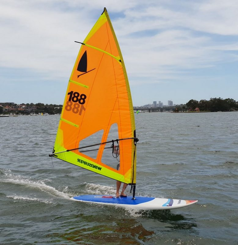 WINDSURFER LT HULL AND RIG